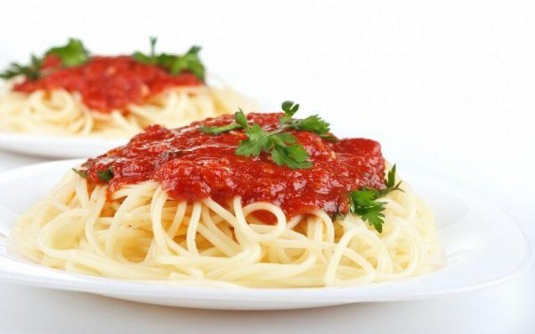 Basil-Tomato Pasta Sauce Recipe